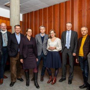 Von rechts nach links: Prof. Dr. Ortwin Renn (IASS Potsdam), Prof. Dr. Stefan Böschen (RWTH Aachen), Dr. Sergio Bellucci (Bellucci Innovation Consulting, ehem. TA Swiss), Prof. Dr. Cordula Kropp (ZIRIUS), Prof. Dr. André Bächtiger (ZIRIUS), Prof. Dr. Claudia Landwehr (JG Universität Mainz), Prof. Dr. Burkhard Pedell (ZIRIUS), Prof. Dr. Harald Rohracher (Linköping University) und Prof. Dr. Jeanette Hofmann (WZB; HIIG Berlin).